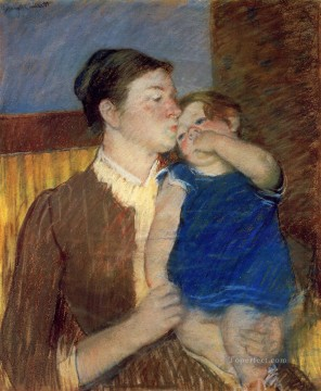 klimt kiss Painting - Mothers Goodnight Kiss mothers children Mary Cassatt
