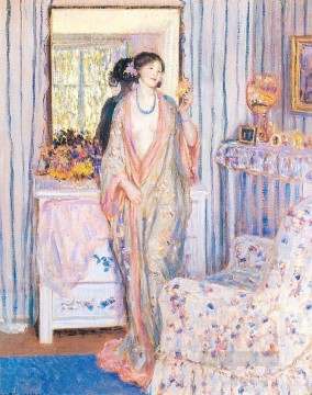 The Robe Impressionist women Frederick Carl Frieseke Oil Paintings