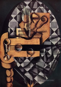 guitar bottle and glass 1914 Juan Gris Oil Paintings