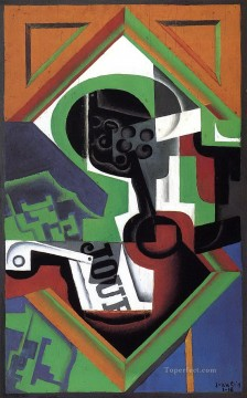pipe and fruit dish with grapes 1918 Juan Gris Oil Paintings