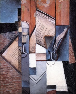 the book 1913 Juan Gris Oil Paintings