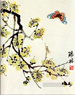 Qi Baishi Painting - Qi Baishi butterfly and flowering plu old China ink