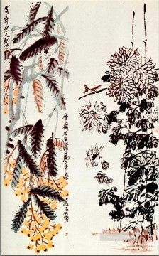 Qi Baishi Painting - Qi Baishi chrysanthemum and loquat old China ink