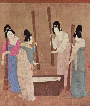 women Painting - women preparing silk after zhang xuan 1100 old China ink