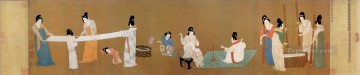 china deco art - court ladies preparing newly woven silk old China ink
