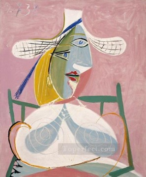 Femme assise au chapeau de paille 1938 Cubism Oil Paintings
