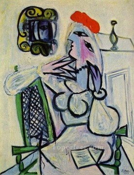 Femme assise au chapeau rouge 1934 Cubism Oil Paintings