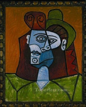 Femme au chapeau vert 1939 Cubism Oil Paintings