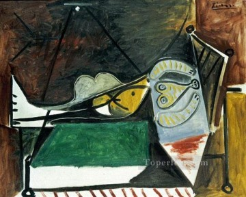 Femme couchee sous la lampe 1960 Cubism Oil Paintings