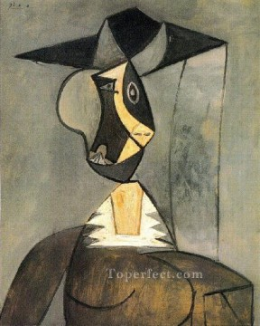 Femme en gris 1942 Cubism Oil Paintings