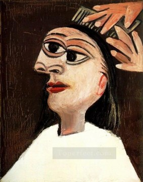 La coiffure 1938 Cubism Oil Paintings