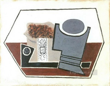 Pipe verre et paquet de tabac 1914 Cubist Oil Paintings