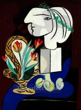 Famous Abstract Painting - Stilllife with tulips Nature morte aux tulipes 1932 Cubist