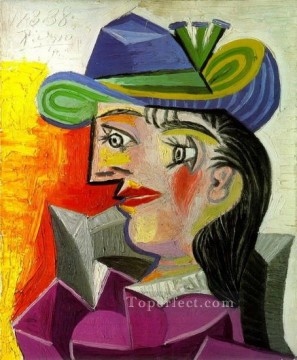 Cubism Painting - Woman with a Blue Hat 1939 Cubist