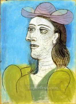 Buste de femme au chapeau 1943 Cubist Oil Paintings