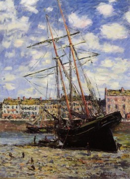 Boat at Low Tide at Fecamp Claude Monet Oil Paintings