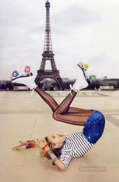 a toutes jambes editorial Paris Oil Paintings
