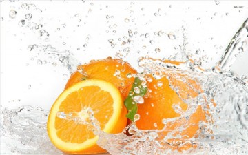 Still life Painting - oranges in the water realistic
