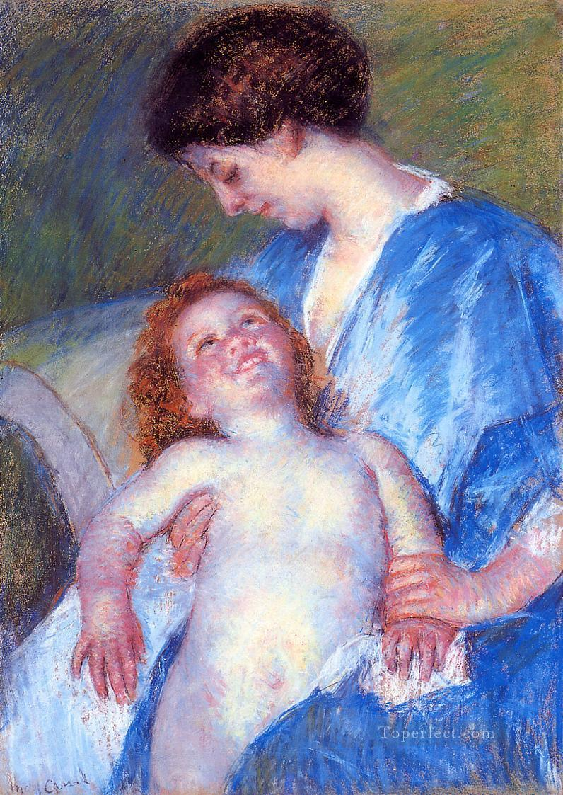 Baby Smiling up at Her Mother mothers children Mary Cassatt Oil Paintings